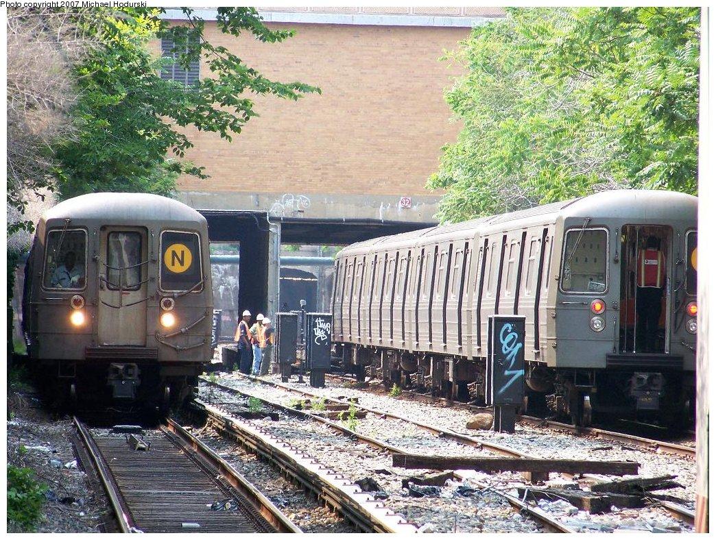 (308k, 1044x788)<br><b>Country:</b> United States<br><b>City:</b> New York<br><b>System:</b> New York City Transit<br><b>Line:</b> BMT Sea Beach Line<br><b>Location:</b> 18th Avenue <br><b>Route:</b> N<br><b>Car:</b> R-68 (Westinghouse-Amrail, 1986-1988)  2842 <br><b>Photo by:</b> Michael Hodurski<br><b>Date:</b> 6/19/2007<br><b>Notes:</b> 4 car R68A test train on right.<br><b>Viewed (this week/total):</b> 2 / 3107