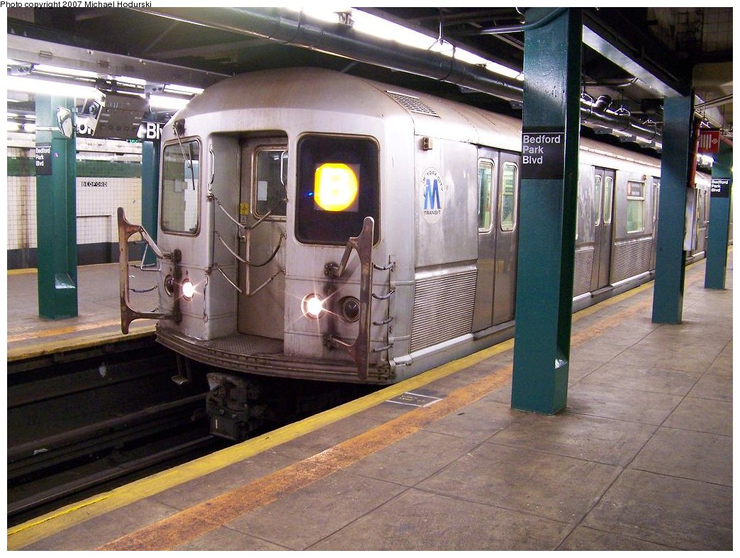 (204k, 1044x788)<br><b>Country:</b> United States<br><b>City:</b> New York<br><b>System:</b> New York City Transit<br><b>Line:</b> IND Concourse Line<br><b>Location:</b> Bedford Park Boulevard <br><b>Route:</b> B<br><b>Car:</b> R-40M (St. Louis, 1969)  44xx <br><b>Photo by:</b> Michael Hodurski<br><b>Date:</b> 6/14/2007<br><b>Viewed (this week/total):</b> 0 / 2404
