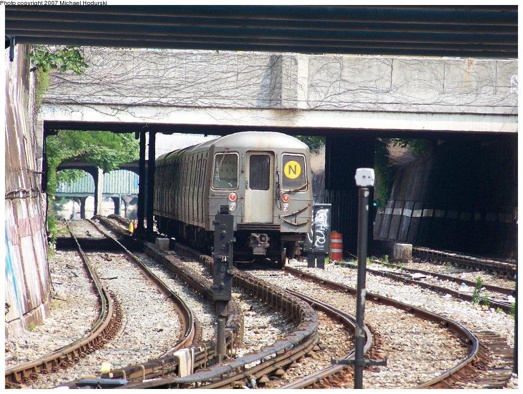 (284k, 1044x788)<br><b>Country:</b> United States<br><b>City:</b> New York<br><b>System:</b> New York City Transit<br><b>Line:</b> BMT Sea Beach Line<br><b>Location:</b> New Utrecht Avenue <br><b>Route:</b> N<br><b>Car:</b> R-68A (Kawasaki, 1988-1989)  5082 <br><b>Photo by:</b> Michael Hodurski<br><b>Date:</b> 6/19/2007<br><b>Notes:</b> 4 car R68A test train.<br><b>Viewed (this week/total):</b> 1 / 2461