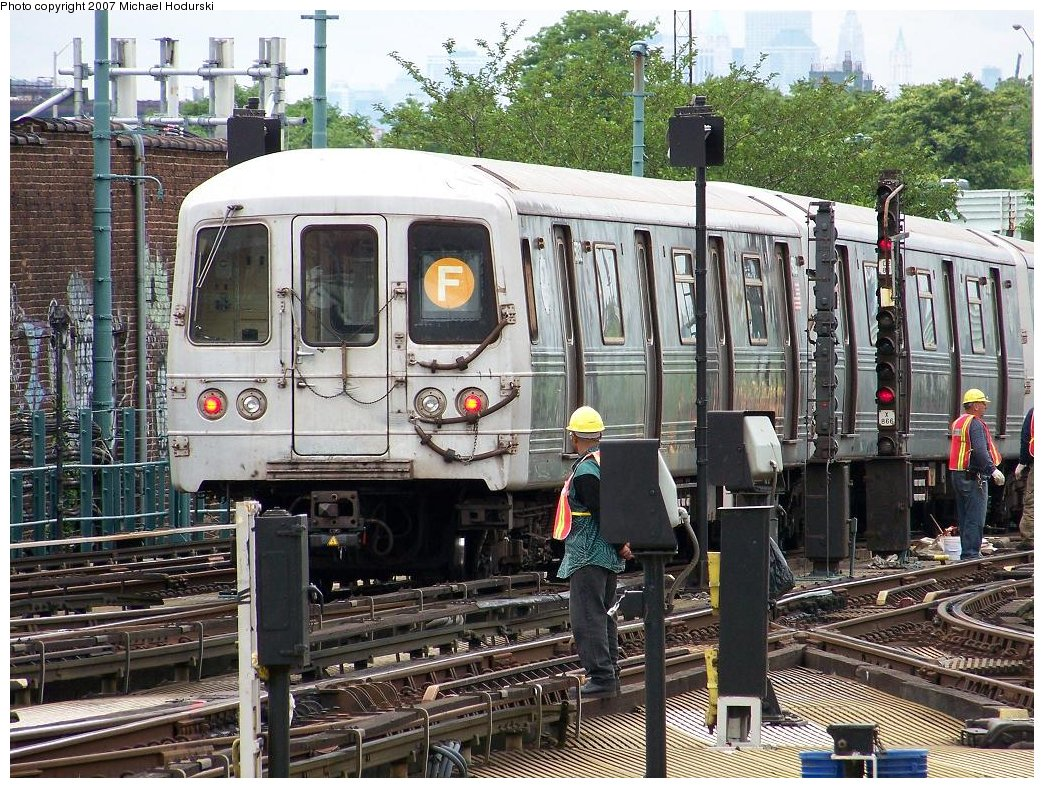 (283k, 1044x788)<br><b>Country:</b> United States<br><b>City:</b> New York<br><b>System:</b> New York City Transit<br><b>Location:</b> Coney Island/Stillwell Avenue<br><b>Route:</b> F<br><b>Car:</b> R-46 (Pullman-Standard, 1974-75) 5732 <br><b>Photo by:</b> Michael Hodurski<br><b>Date:</b> 6/14/2007<br><b>Viewed (this week/total):</b> 2 / 1949