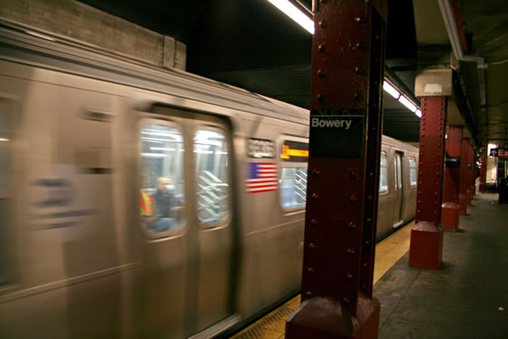 (35k, 560x374)<br><b>Country:</b> United States<br><b>City:</b> New York<br><b>System:</b> New York City Transit<br><b>Line:</b> BMT Nassau Street/Jamaica Line<br><b>Location:</b> Bowery <br><b>Car:</b> R-160A-1 (Alstom, 2005-2008, 4 car sets)  8336 <br><b>Photo by:</b> Craig Williams<br><b>Date:</b> 6/20/2007<br><b>Viewed (this week/total):</b> 6 / 4859