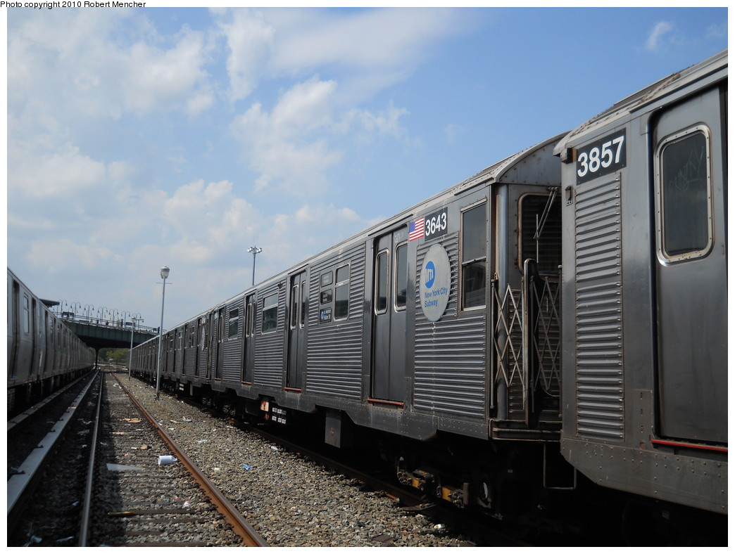 (257k, 1044x788)<br><b>Country:</b> United States<br><b>City:</b> New York<br><b>System:</b> New York City Transit<br><b>Location:</b> East New York Yard/Shops<br><b>Car:</b> R-32 (Budd, 1964)  3643 <br><b>Photo by:</b> Robert Mencher<br><b>Date:</b> 8/11/2010<br><b>Viewed (this week/total):</b> 1 / 512
