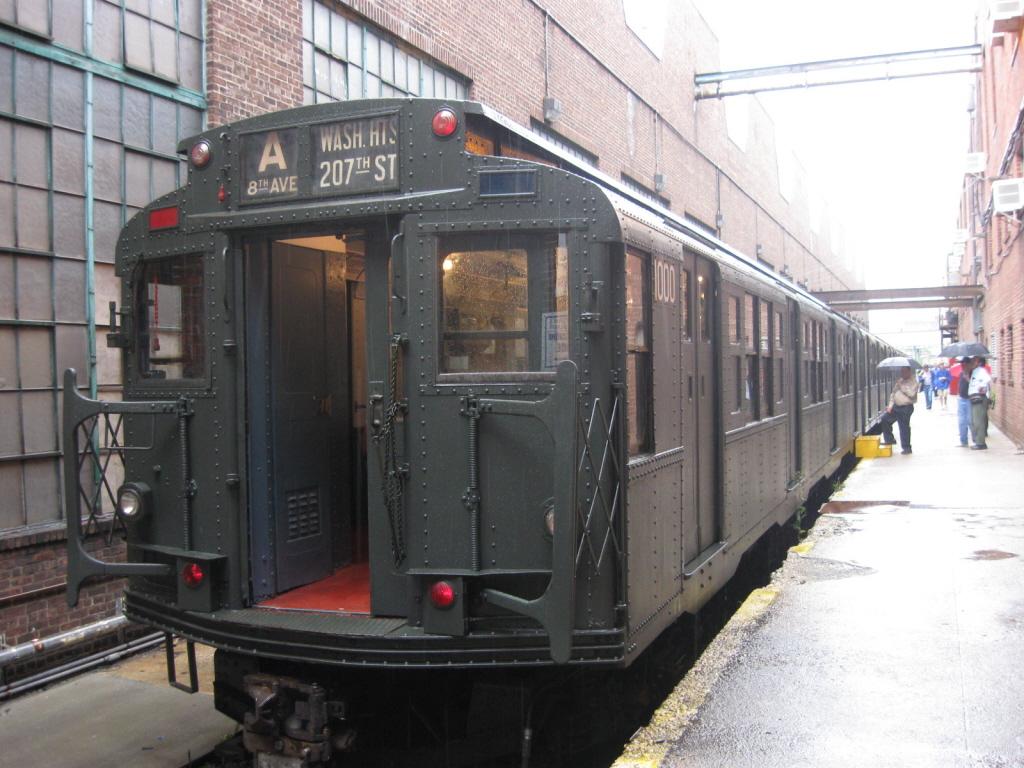 (414k, 1024x768)<br><b>Country:</b> United States<br><b>City:</b> New York<br><b>System:</b> New York City Transit<br><b>Location:</b> 207th Street Yard<br><b>Route:</b> Fan Trip<br><b>Car:</b> R-6-3 (American Car & Foundry, 1935)  1000 <br><b>Photo by:</b> Jorge Catayi<br><b>Date:</b> 8/2/2009<br><b>Viewed (this week/total):</b> 1 / 1053