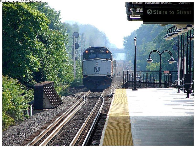 (174k, 820x620)<br><b>Country:</b> United States<br><b>System:</b> NJ Transit (or Predecessor)<br><b>Line:</b> NJT Raritan Valley Line<br><b>Location:</b> Union <br><b>Car:</b> NJT F40PH-2CAT 4113 <br><b>Photo by:</b> Bob Vogel<br><b>Date:</b> 6/25/2007<br><b>Viewed (this week/total):</b> 8 / 5235