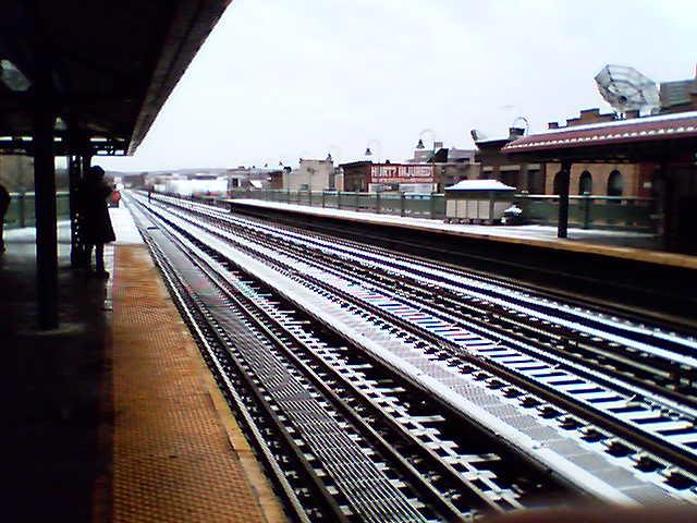 (58k, 640x480)<br><b>Country:</b> United States<br><b>City:</b> New York<br><b>System:</b> New York City Transit<br><b>Line:</b> IRT West Side Line<br><b>Location:</b> 231st Street <br><b>Photo by:</b> Charles Ilardi<br><b>Date:</b> 3/16/2007<br><b>Viewed (this week/total):</b> 0 / 2133