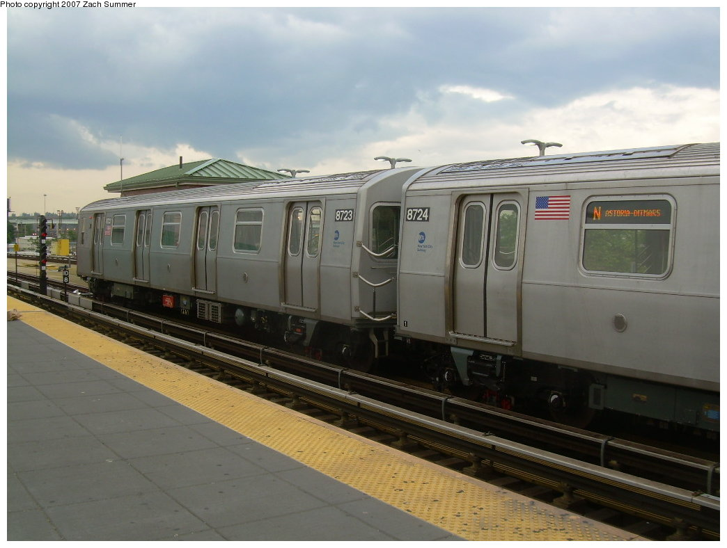 (171k, 1044x788)<br><b>Country:</b> United States<br><b>City:</b> New York<br><b>System:</b> New York City Transit<br><b>Location:</b> Coney Island/Stillwell Avenue<br><b>Route:</b> N<br><b>Car:</b> R-160B (Kawasaki, 2005-2008)  8723 <br><b>Photo by:</b> Zach Summer<br><b>Date:</b> 6/12/2007<br><b>Viewed (this week/total):</b> 0 / 2033