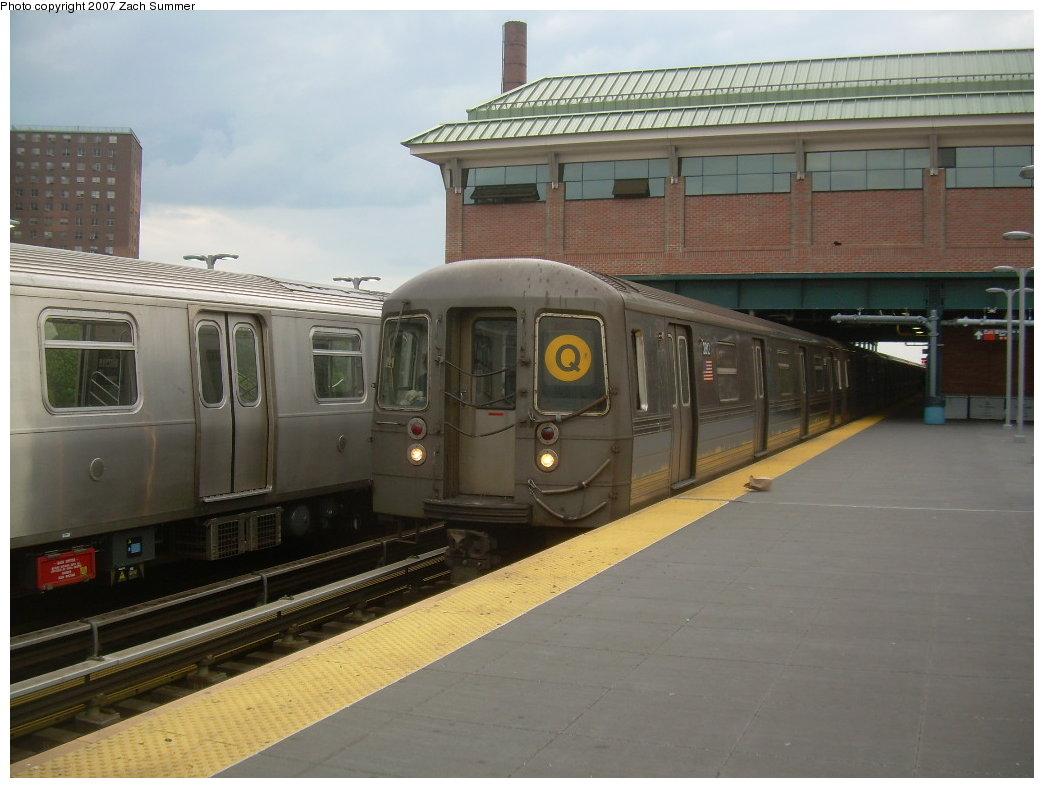 (176k, 1044x788)<br><b>Country:</b> United States<br><b>City:</b> New York<br><b>System:</b> New York City Transit<br><b>Location:</b> Coney Island/Stillwell Avenue<br><b>Route:</b> Q<br><b>Car:</b> R-68 (Westinghouse-Amrail, 1986-1988)   <br><b>Photo by:</b> Zach Summer<br><b>Date:</b> 6/12/2007<br><b>Viewed (this week/total):</b> 0 / 1692
