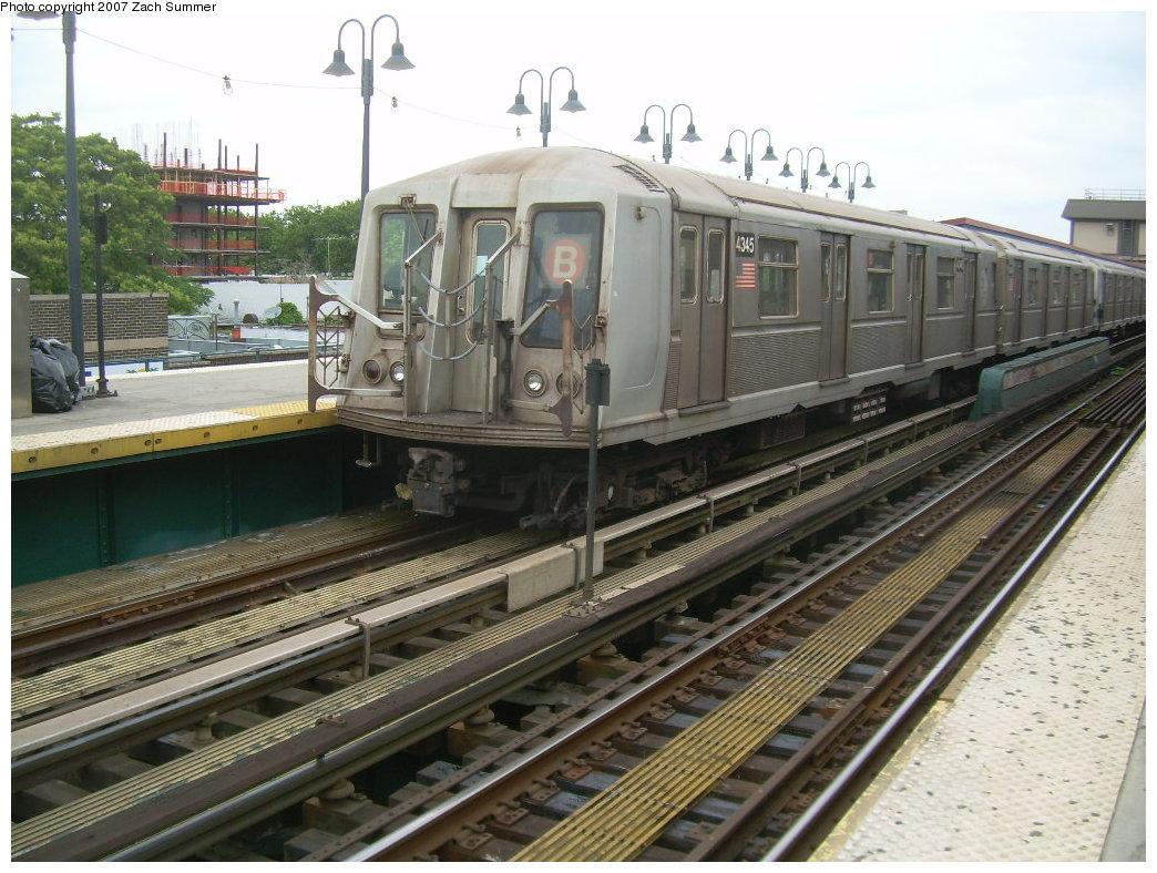 (228k, 1044x788)<br><b>Country:</b> United States<br><b>City:</b> New York<br><b>System:</b> New York City Transit<br><b>Line:</b> BMT Brighton Line<br><b>Location:</b> Brighton Beach <br><b>Route:</b> B<br><b>Car:</b> R-40 (St. Louis, 1968)  4345 <br><b>Photo by:</b> Zach Summer<br><b>Date:</b> 6/14/2007<br><b>Viewed (this week/total):</b> 1 / 1649