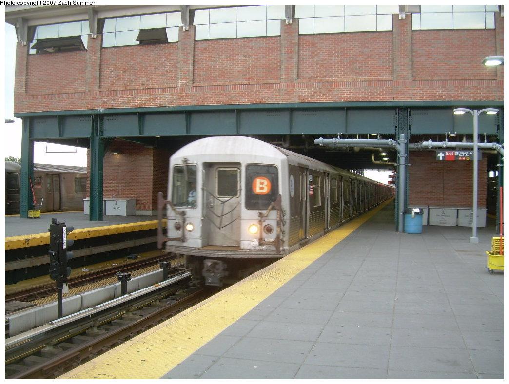 (206k, 1044x788)<br><b>Country:</b> United States<br><b>City:</b> New York<br><b>System:</b> New York City Transit<br><b>Location:</b> Coney Island/Stillwell Avenue<br><b>Route:</b> B<br><b>Car:</b> R-40M (St. Louis, 1969)   <br><b>Photo by:</b> Zach Summer<br><b>Date:</b> 6/14/2007<br><b>Viewed (this week/total):</b> 0 / 2005