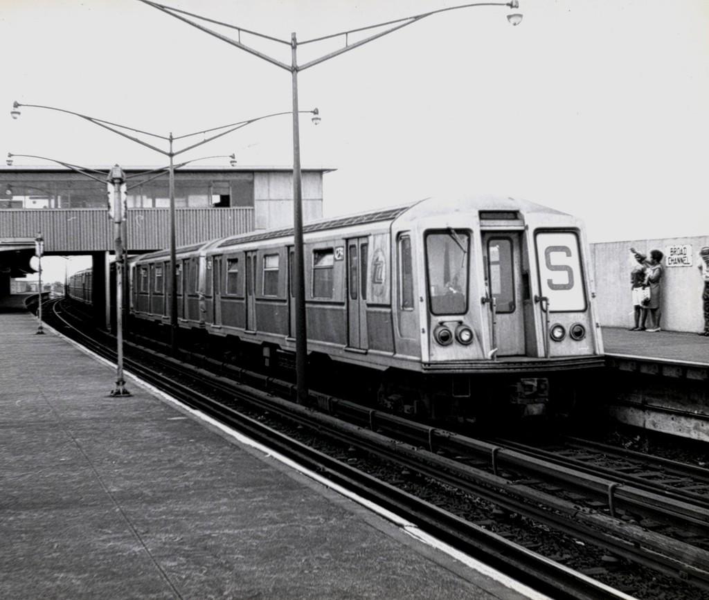 (173k, 1024x867)<br><b>Country:</b> United States<br><b>City:</b> New York<br><b>System:</b> New York City Transit<br><b>Line:</b> IND Rockaway<br><b>Location:</b> Broad Channel <br><b>Route:</b> S<br><b>Car:</b> R-40 (St. Louis, 1968)  4259 <br><b>Collection of:</b> George Conrad Collection<br><b>Date:</b> 8/9/1969<br><b>Viewed (this week/total):</b> 2 / 1280
