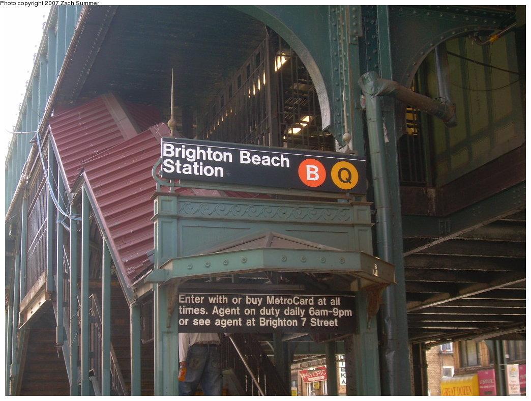 (206k, 1044x788)<br><b>Country:</b> United States<br><b>City:</b> New York<br><b>System:</b> New York City Transit<br><b>Line:</b> BMT Brighton Line<br><b>Location:</b> Brighton Beach <br><b>Photo by:</b> Zach Summer<br><b>Date:</b> 6/23/2007<br><b>Notes:</b> Station entrance.<br><b>Viewed (this week/total):</b> 0 / 1852