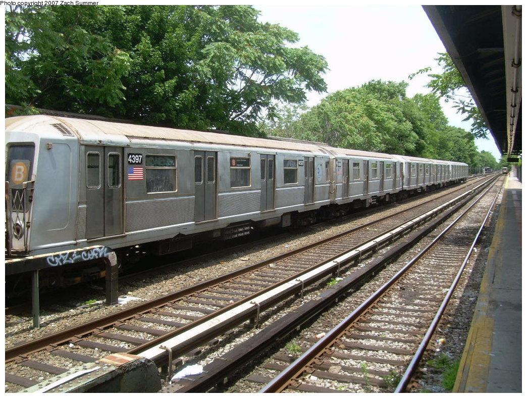 (311k, 1044x788)<br><b>Country:</b> United States<br><b>City:</b> New York<br><b>System:</b> New York City Transit<br><b>Line:</b> BMT Brighton Line<br><b>Location:</b> Neck Road <br><b>Car:</b> R-40 (St. Louis, 1968)  4397 <br><b>Photo by:</b> Zach Summer<br><b>Date:</b> 6/24/2007<br><b>Notes:</b> Weekend layup.<br><b>Viewed (this week/total):</b> 0 / 1431
