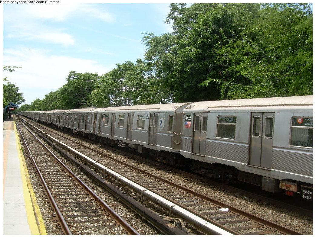 (290k, 1044x788)<br><b>Country:</b> United States<br><b>City:</b> New York<br><b>System:</b> New York City Transit<br><b>Line:</b> BMT Brighton Line<br><b>Location:</b> Neck Road <br><b>Car:</b> R-40 (St. Louis, 1968)  4432/4423 <br><b>Photo by:</b> Zach Summer<br><b>Date:</b> 6/24/2007<br><b>Notes:</b> Weekend layup.<br><b>Viewed (this week/total):</b> 0 / 2299