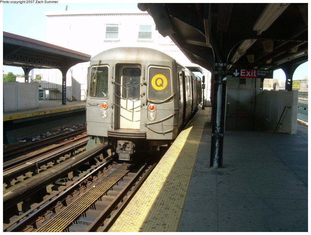 (212k, 1044x788)<br><b>Country:</b> United States<br><b>City:</b> New York<br><b>System:</b> New York City Transit<br><b>Line:</b> BMT Brighton Line<br><b>Location:</b> Brighton Beach <br><b>Route:</b> Q<br><b>Car:</b> R-68A (Kawasaki, 1988-1989)   <br><b>Photo by:</b> Zach Summer<br><b>Date:</b> 6/24/2007<br><b>Viewed (this week/total):</b> 0 / 1465