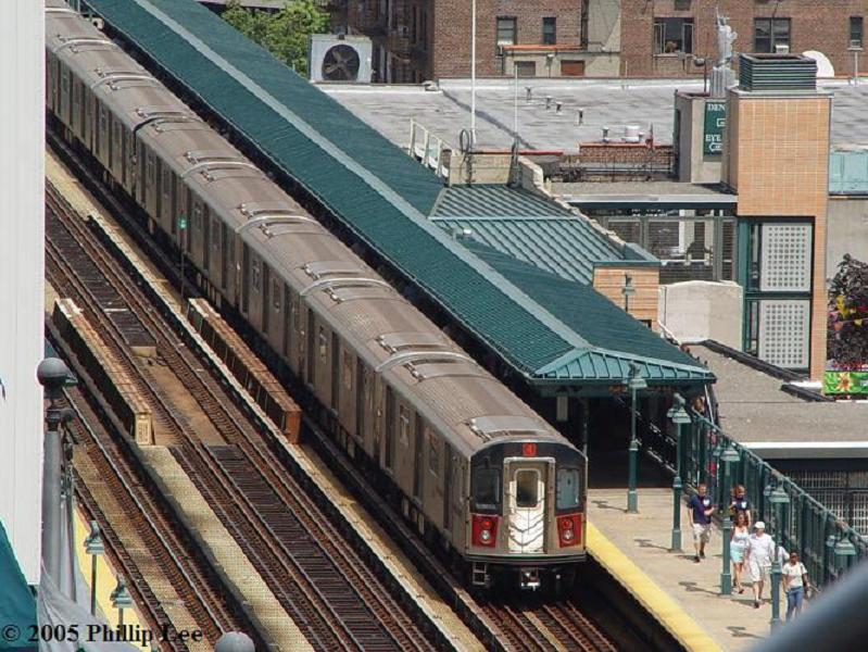 (109k, 799x600)<br><b>Country:</b> United States<br><b>City:</b> New York<br><b>System:</b> New York City Transit<br><b>Line:</b> IRT Woodlawn Line<br><b>Location:</b> 161st Street/River Avenue (Yankee Stadium) <br><b>Route:</b> 4<br><b>Car:</b> R-142 or R-142A (Number Unknown)  <br><b>Photo by:</b> Phillip Lee<br><b>Date:</b> 8/10/2005<br><b>Viewed (this week/total):</b> 3 / 3181
