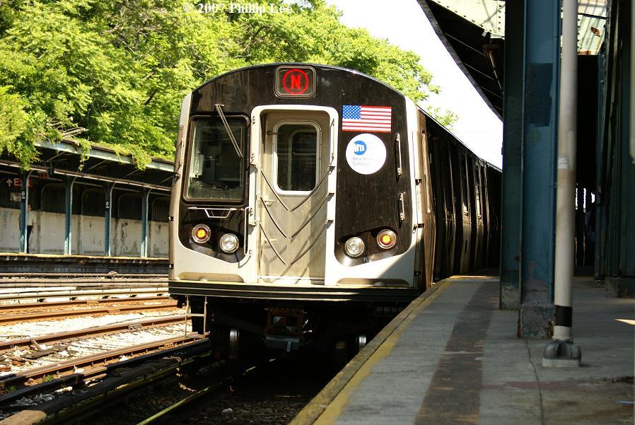 (151k, 898x601)<br><b>Country:</b> United States<br><b>City:</b> New York<br><b>System:</b> New York City Transit<br><b>Line:</b> BMT Sea Beach Line<br><b>Location:</b> 8th Avenue <br><b>Route:</b> N<br><b>Car:</b> R-160A/R-160B Series (Number Unknown)  <br><b>Photo by:</b> Phillip Lee<br><b>Date:</b> 6/7/2007<br><b>Viewed (this week/total):</b> 0 / 2001