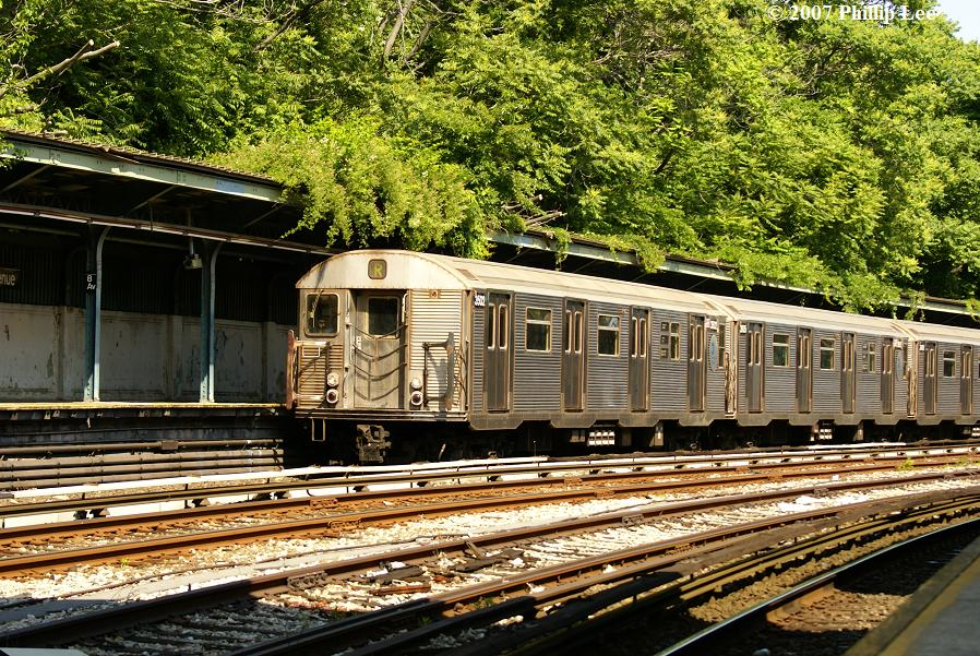 (210k, 898x601)<br><b>Country:</b> United States<br><b>City:</b> New York<br><b>System:</b> New York City Transit<br><b>Line:</b> BMT Sea Beach Line<br><b>Location:</b> 8th Avenue <br><b>Route:</b> R<br><b>Car:</b> R-32 (Budd, 1964)  3502 <br><b>Photo by:</b> Phillip Lee<br><b>Date:</b> 6/7/2007<br><b>Viewed (this week/total):</b> 1 / 1816