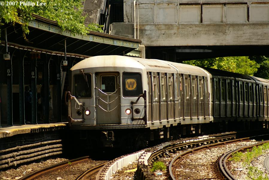 (147k, 898x601)<br><b>Country:</b> United States<br><b>City:</b> New York<br><b>System:</b> New York City Transit<br><b>Line:</b> BMT Sea Beach Line<br><b>Location:</b> 8th Avenue <br><b>Route:</b> W<br><b>Car:</b> R-40M (St. Louis, 1969)  4460 <br><b>Photo by:</b> Phillip Lee<br><b>Date:</b> 6/7/2007<br><b>Viewed (this week/total):</b> 0 / 1939
