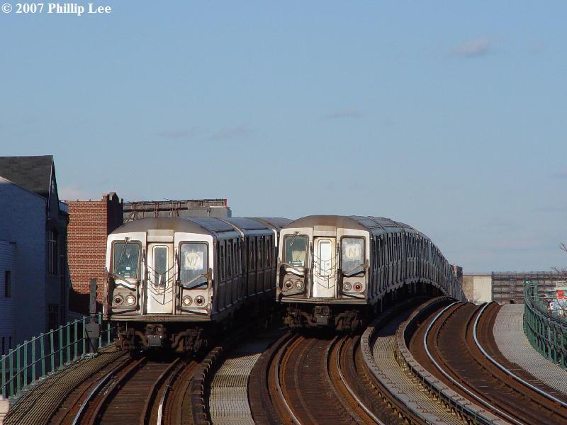 (68k, 800x600)<br><b>Country:</b> United States<br><b>City:</b> New York<br><b>System:</b> New York City Transit<br><b>Line:</b> BMT Astoria Line<br><b>Location:</b> 30th/Grand Aves. <br><b>Route:</b> N<br><b>Car:</b> R-40 (St. Louis, 1968)   <br><b>Photo by:</b> Phillip Lee<br><b>Date:</b> 2/7/2007<br><b>Viewed (this week/total):</b> 3 / 1990