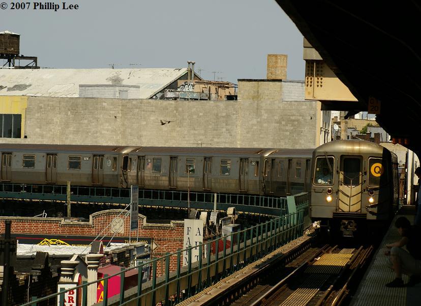 (119k, 828x601)<br><b>Country:</b> United States<br><b>City:</b> New York<br><b>System:</b> New York City Transit<br><b>Line:</b> BMT Brighton Line<br><b>Location:</b> Brighton Beach <br><b>Route:</b> Q<br><b>Car:</b> R-68 (Westinghouse-Amrail, 1986-1988)   <br><b>Photo by:</b> Phillip Lee<br><b>Date:</b> 6/7/2007<br><b>Viewed (this week/total):</b> 1 / 1885