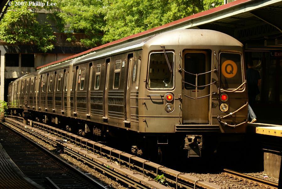 (152k, 898x601)<br><b>Country:</b> United States<br><b>City:</b> New York<br><b>System:</b> New York City Transit<br><b>Line:</b> BMT Brighton Line<br><b>Location:</b> Prospect Park <br><b>Route:</b> Q<br><b>Car:</b> R-68 (Westinghouse-Amrail, 1986-1988)   <br><b>Photo by:</b> Phillip Lee<br><b>Date:</b> 6/7/2007<br><b>Viewed (this week/total):</b> 3 / 2367