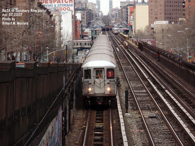 (199k, 800x600)<br><b>Country:</b> United States<br><b>City:</b> New York<br><b>System:</b> New York City Transit<br><b>Line:</b> IRT West Side Line<br><b>Location:</b> 125th Street <br><b>Route:</b> 1<br><b>Car:</b> R-62A (Bombardier, 1984-1987)   <br><b>Photo by:</b> Robert Marrero<br><b>Date:</b> 4/7/2007<br><b>Viewed (this week/total):</b> 1 / 2579