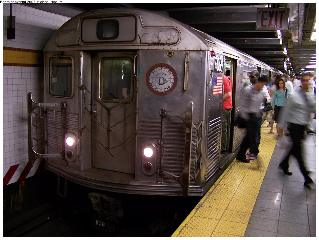 (171k, 1044x788)<br><b>Country:</b> United States<br><b>City:</b> New York<br><b>System:</b> New York City Transit<br><b>Line:</b> IND 8th Avenue Line<br><b>Location:</b> 14th Street <br><b>Route:</b> C<br><b>Car:</b> R-38 (St. Louis, 1966-1967)  4069 <br><b>Photo by:</b> Michael Hodurski<br><b>Date:</b> 6/22/2007<br><b>Viewed (this week/total):</b> 0 / 2646