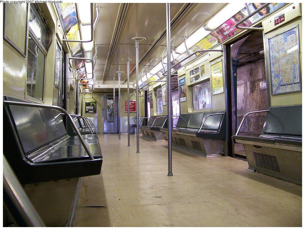 (209k, 1044x788)<br><b>Country:</b> United States<br><b>City:</b> New York<br><b>System:</b> New York City Transit<br><b>Route:</b> N<br><b>Car:</b> R-40 (St. Louis, 1968)  4225 <br><b>Photo by:</b> Michael Hodurski<br><b>Date:</b> 6/22/2007<br><b>Viewed (this week/total):</b> 0 / 1848