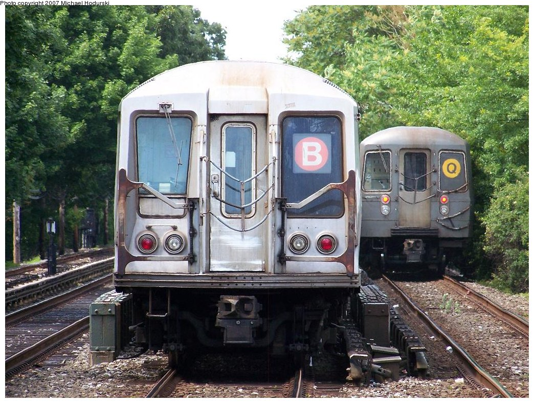 (268k, 1044x788)<br><b>Country:</b> United States<br><b>City:</b> New York<br><b>System:</b> New York City Transit<br><b>Line:</b> BMT Brighton Line<br><b>Location:</b> Kings Highway <br><b>Route:</b> B<br><b>Car:</b> R-40 (St. Louis, 1968)  4332 <br><b>Photo by:</b> Michael Hodurski<br><b>Date:</b> 6/22/2007<br><b>Notes:</b> With R68A 5150 on Q.<br><b>Viewed (this week/total):</b> 1 / 1960