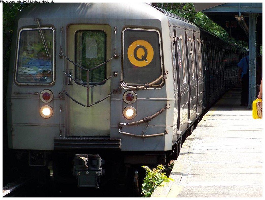 (175k, 1044x788)<br><b>Country:</b> United States<br><b>City:</b> New York<br><b>System:</b> New York City Transit<br><b>Line:</b> BMT Brighton Line<br><b>Location:</b> Kings Highway <br><b>Route:</b> Q<br><b>Car:</b> R-68A (Kawasaki, 1988-1989)  5128 <br><b>Photo by:</b> Michael Hodurski<br><b>Date:</b> 6/22/2007<br><b>Viewed (this week/total):</b> 0 / 1625