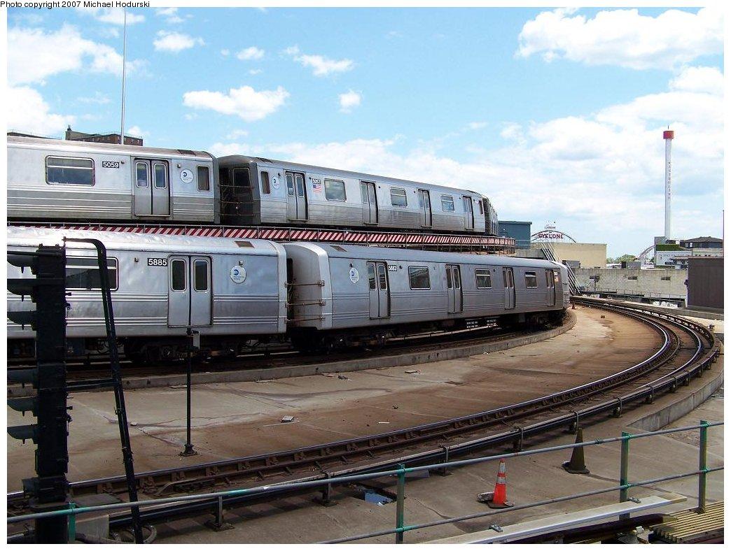 (190k, 1044x788)<br><b>Country:</b> United States<br><b>City:</b> New York<br><b>System:</b> New York City Transit<br><b>Location:</b> Coney Island/Stillwell Avenue<br><b>Route:</b> F<br><b>Car:</b> R-46 (Pullman-Standard, 1974-75) 5883 <br><b>Photo by:</b> Michael Hodurski<br><b>Date:</b> 6/22/2007<br><b>Notes:</b> With R68A 5087 on Q.<br><b>Viewed (this week/total):</b> 0 / 3095