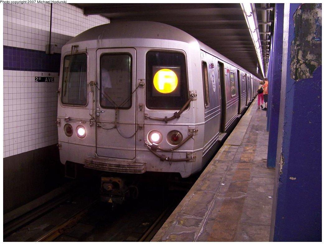 (165k, 1044x788)<br><b>Country:</b> United States<br><b>City:</b> New York<br><b>System:</b> New York City Transit<br><b>Line:</b> IND 6th Avenue Line<br><b>Location:</b> 2nd Avenue <br><b>Route:</b> F<br><b>Car:</b> R-46 (Pullman-Standard, 1974-75) 6120 <br><b>Photo by:</b> Michael Hodurski<br><b>Date:</b> 6/23/2007<br><b>Viewed (this week/total):</b> 0 / 1762