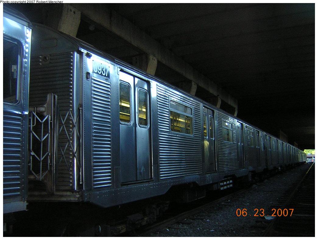 (201k, 1044x788)<br><b>Country:</b> United States<br><b>City:</b> New York<br><b>System:</b> New York City Transit<br><b>Location:</b> Pitkin Yard/Shops<br><b>Car:</b> R-32 (GE Rebuild) 3937 <br><b>Photo by:</b> Robert Mencher<br><b>Date:</b> 6/23/2007<br><b>Viewed (this week/total):</b> 4 / 2384