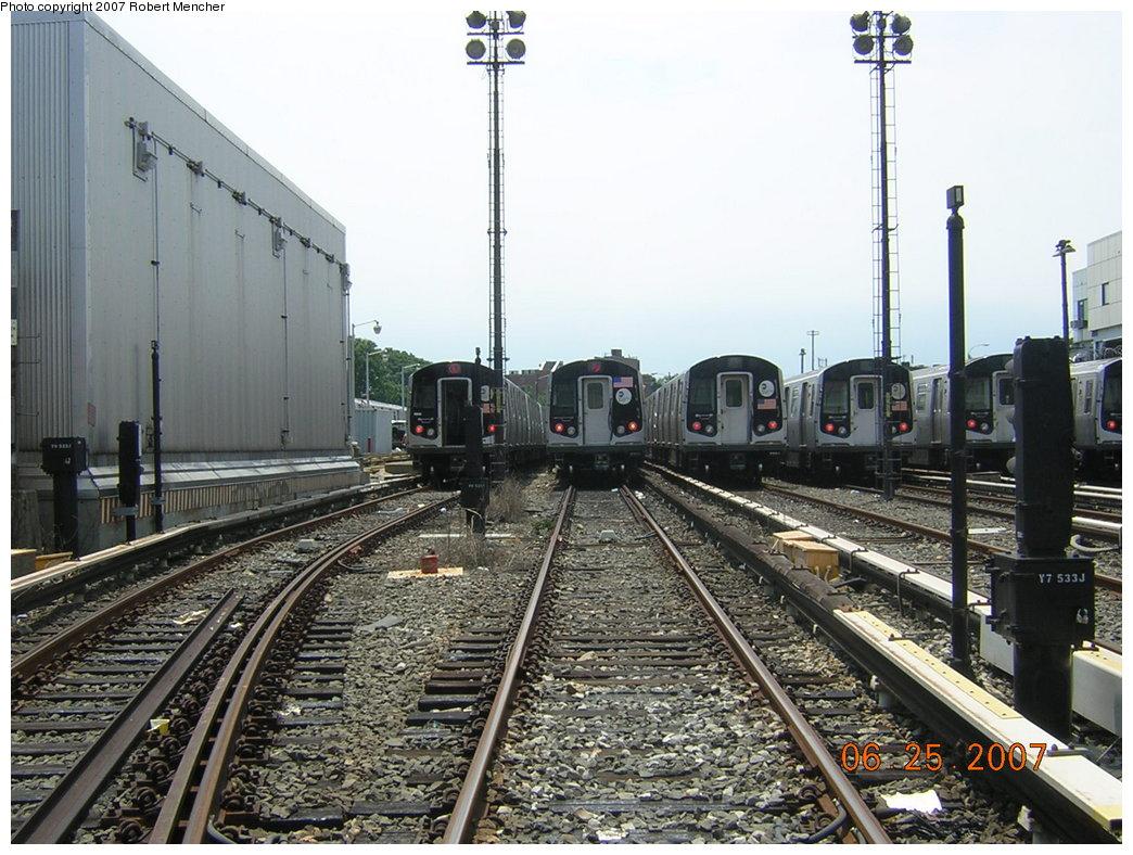(237k, 1044x788)<br><b>Country:</b> United States<br><b>City:</b> New York<br><b>System:</b> New York City Transit<br><b>Location:</b> Rockaway Parkway (Canarsie) Yard<br><b>Car:</b> R-143 (Kawasaki, 2001-2002)  <br><b>Photo by:</b> Robert Mencher<br><b>Date:</b> 6/25/2007<br><b>Viewed (this week/total):</b> 0 / 2238