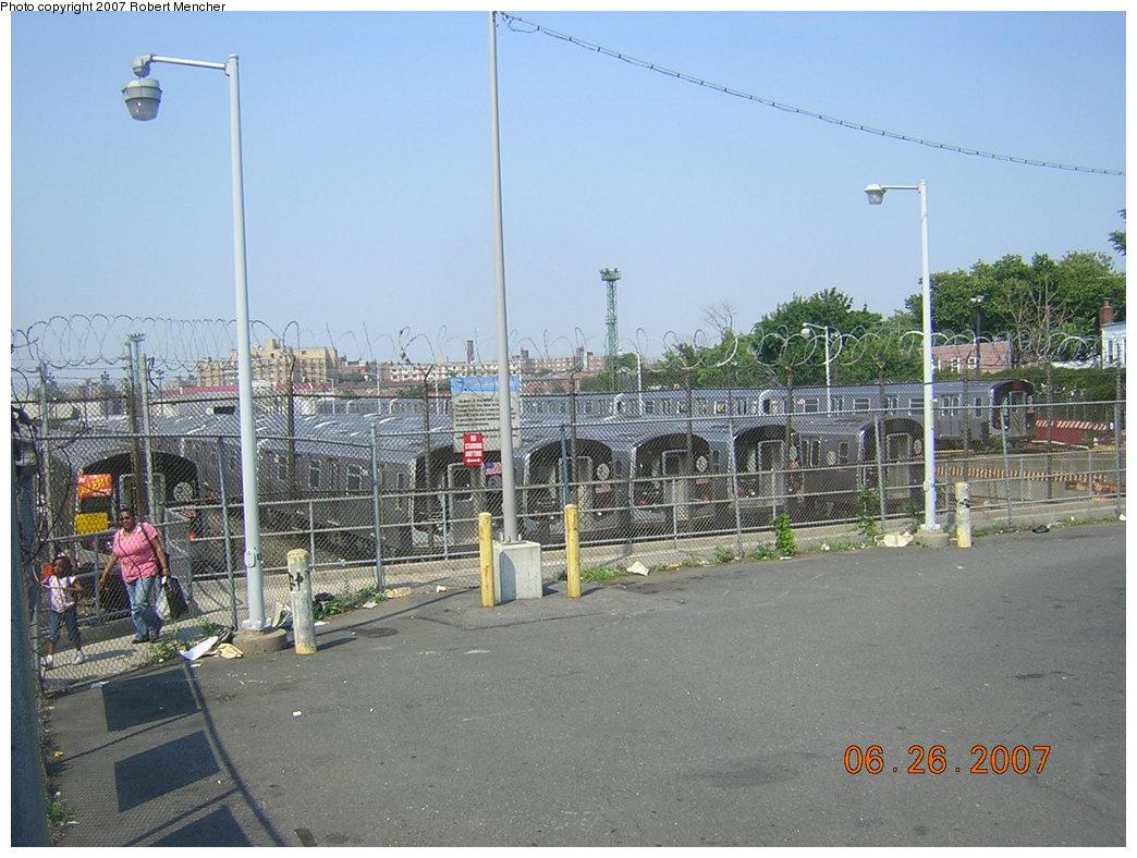 (215k, 1044x788)<br><b>Country:</b> United States<br><b>City:</b> New York<br><b>System:</b> New York City Transit<br><b>Location:</b> Rockaway Parkway (Canarsie) Yard<br><b>Car:</b> R-143 (Kawasaki, 2001-2002)  <br><b>Photo by:</b> Robert Mencher<br><b>Date:</b> 6/26/2007<br><b>Viewed (this week/total):</b> 0 / 2701