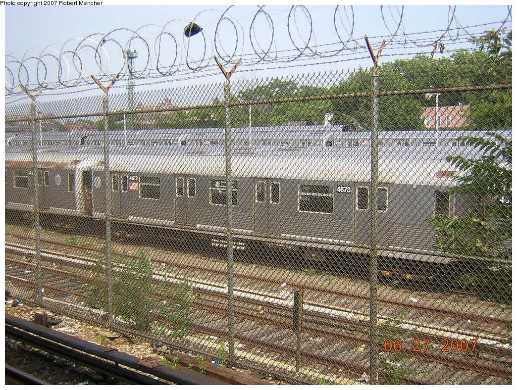 (395k, 1044x788)<br><b>Country:</b> United States<br><b>City:</b> New York<br><b>System:</b> New York City Transit<br><b>Location:</b> Rockaway Parkway (Canarsie) Yard<br><b>Car:</b> R-42 (St. Louis, 1969-1970)  4673 <br><b>Photo by:</b> Robert Mencher<br><b>Date:</b> 6/27/2007<br><b>Viewed (this week/total):</b> 0 / 1801