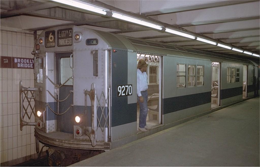 (170k, 1024x657)<br><b>Country:</b> United States<br><b>City:</b> New York<br><b>System:</b> New York City Transit<br><b>Line:</b> IRT East Side Line<br><b>Location:</b> Brooklyn Bridge/City Hall <br><b>Route:</b> 6<br><b>Car:</b> R-33 Main Line (St. Louis, 1962-63) 9270 <br><b>Photo by:</b> Doug Grotjahn<br><b>Collection of:</b> Joe Testagrose<br><b>Date:</b> 1/21/1972<br><b>Viewed (this week/total):</b> 0 / 2441