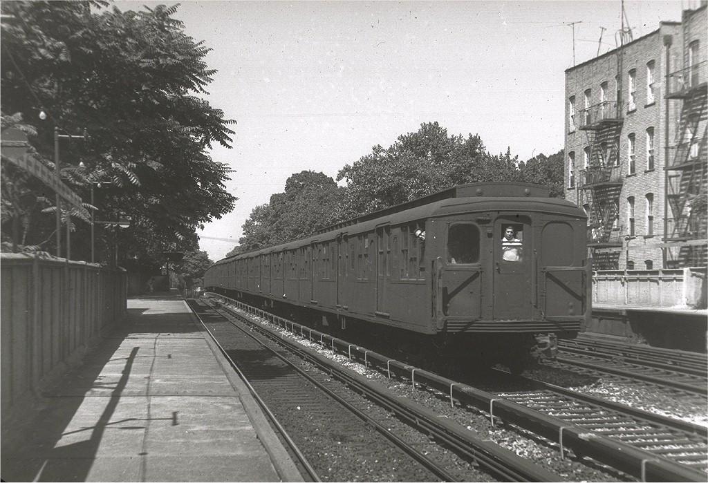 (238k, 1024x699)<br><b>Country:</b> United States<br><b>City:</b> New York<br><b>System:</b> New York City Transit<br><b>Line:</b> BMT Brighton Line<br><b>Location:</b> Avenue H <br><b>Car:</b> BMT A/B-Type Standard  <br><b>Photo by:</b> Harry Pinsker<br><b>Date:</b> 9/2/1960<br><b>Viewed (this week/total):</b> 9 / 2490
