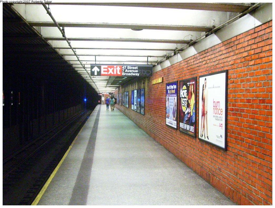 (208k, 1044x788)<br><b>Country:</b> United States<br><b>City:</b> New York<br><b>System:</b> New York City Transit<br><b>Line:</b> BMT Broadway Line<br><b>Location:</b> 49th Street <br><b>Photo by:</b> Roberto C. Tobar<br><b>Date:</b> 7/4/2007<br><b>Notes:</b> Platform view.<br><b>Viewed (this week/total):</b> 1 / 2674