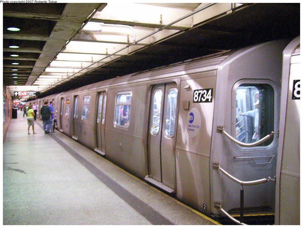 (235k, 1044x788)<br><b>Country:</b> United States<br><b>City:</b> New York<br><b>System:</b> New York City Transit<br><b>Line:</b> BMT Broadway Line<br><b>Location:</b> 49th Street <br><b>Route:</b> N<br><b>Car:</b> R-160B (Kawasaki, 2005-2008)  8734 <br><b>Photo by:</b> Roberto C. Tobar<br><b>Date:</b> 7/4/2007<br><b>Viewed (this week/total):</b> 0 / 4198