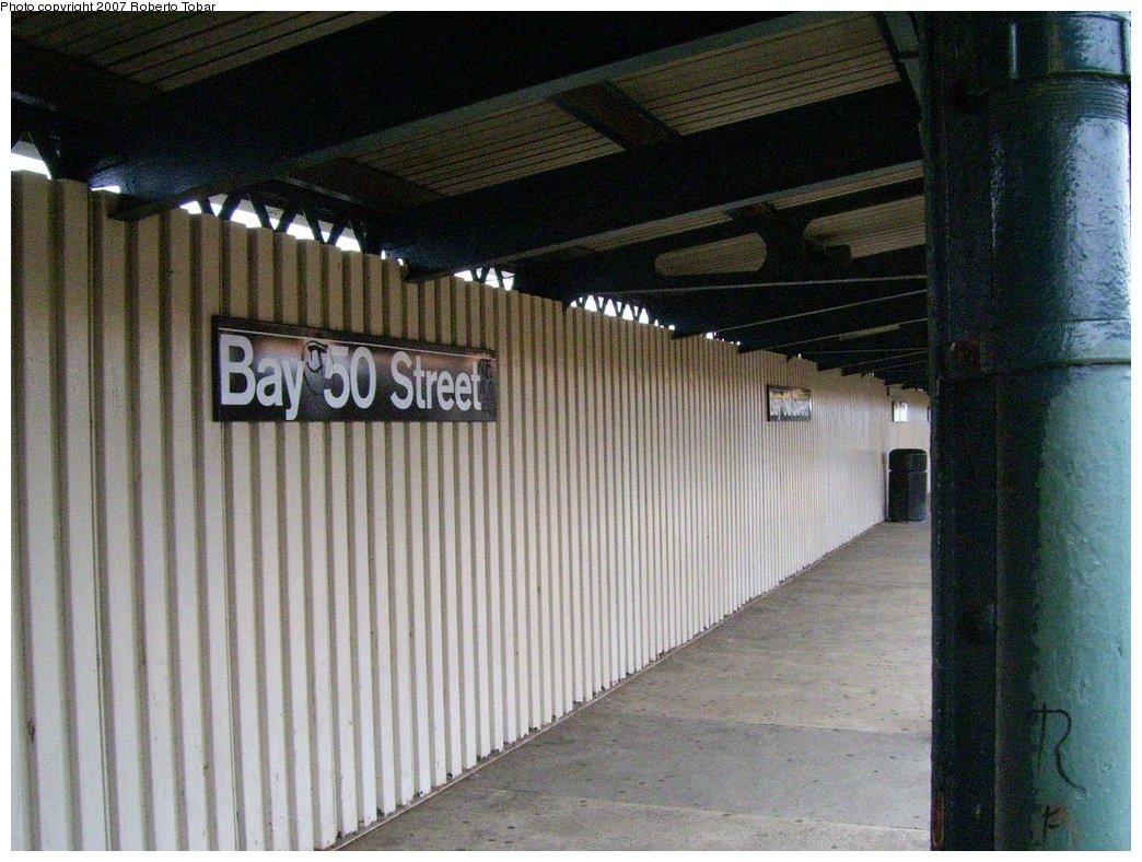 (194k, 1044x788)<br><b>Country:</b> United States<br><b>City:</b> New York<br><b>System:</b> New York City Transit<br><b>Line:</b> BMT West End Line<br><b>Location:</b> Bay 50th Street <br><b>Photo by:</b> Roberto C. Tobar<br><b>Date:</b> 7/4/2007<br><b>Notes:</b> Platform view.<br><b>Viewed (this week/total):</b> 0 / 1139