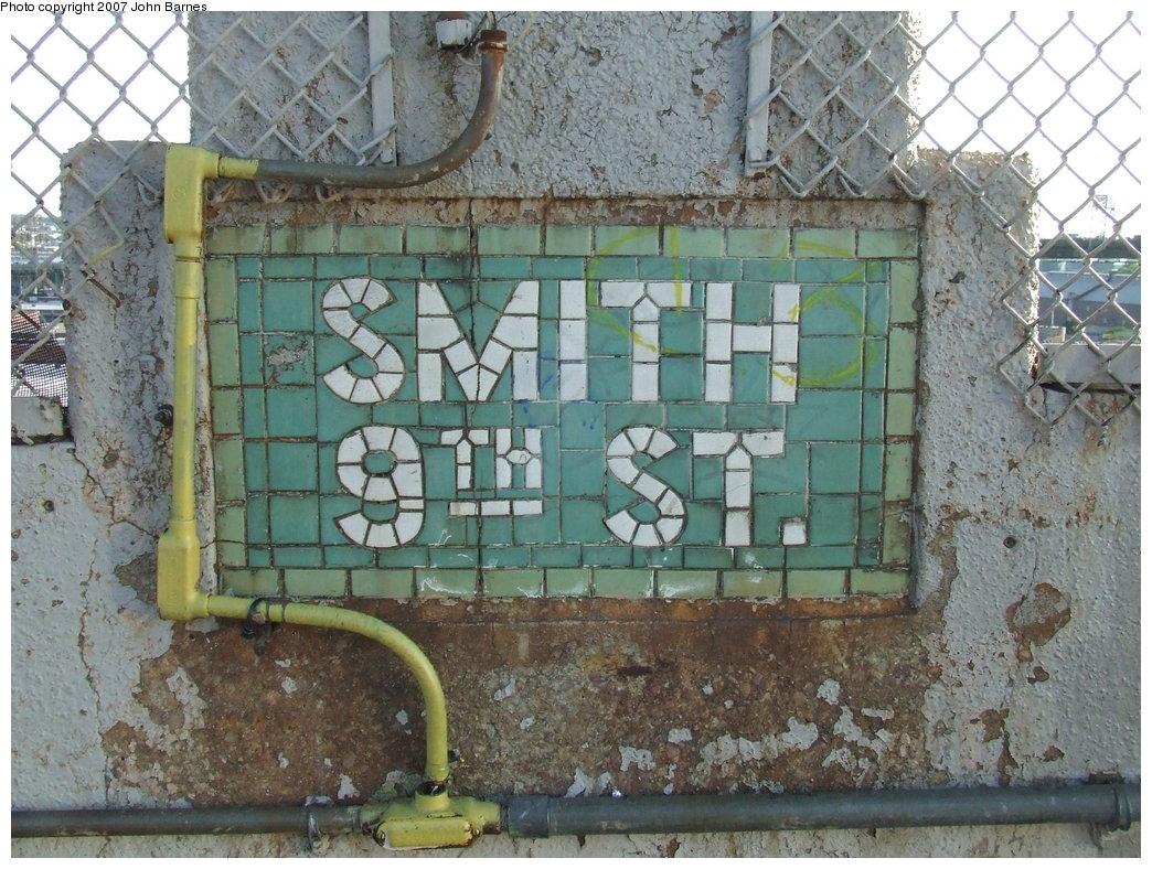 (232k, 1044x788)<br><b>Country:</b> United States<br><b>City:</b> New York<br><b>System:</b> New York City Transit<br><b>Line:</b> IND Crosstown Line<br><b>Location:</b> Smith/9th Street <br><b>Photo by:</b> John Barnes<br><b>Date:</b> 6/24/2007<br><b>Notes:</b> Tile Work<br><b>Viewed (this week/total):</b> 0 / 1060