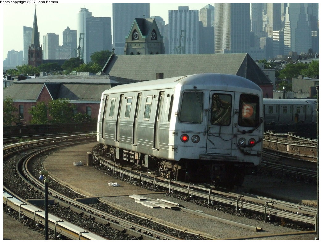 (214k, 1044x788)<br><b>Country:</b> United States<br><b>City:</b> New York<br><b>System:</b> New York City Transit<br><b>Line:</b> IND Crosstown Line<br><b>Location:</b> Smith/9th Street <br><b>Route:</b> F<br><b>Car:</b> R-46 (Pullman-Standard, 1974-75) 5712 <br><b>Photo by:</b> John Barnes<br><b>Date:</b> 6/24/2007<br><b>Viewed (this week/total):</b> 0 / 1587