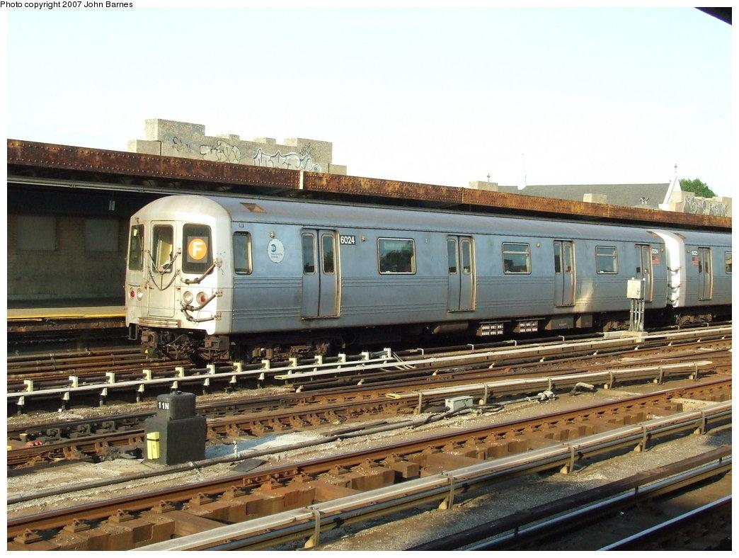 (195k, 1044x788)<br><b>Country:</b> United States<br><b>City:</b> New York<br><b>System:</b> New York City Transit<br><b>Line:</b> IND Crosstown Line<br><b>Location:</b> 4th Avenue <br><b>Route:</b> F<br><b>Car:</b> R-46 (Pullman-Standard, 1974-75) 6024 <br><b>Photo by:</b> John Barnes<br><b>Date:</b> 6/24/2007<br><b>Viewed (this week/total):</b> 1 / 1959