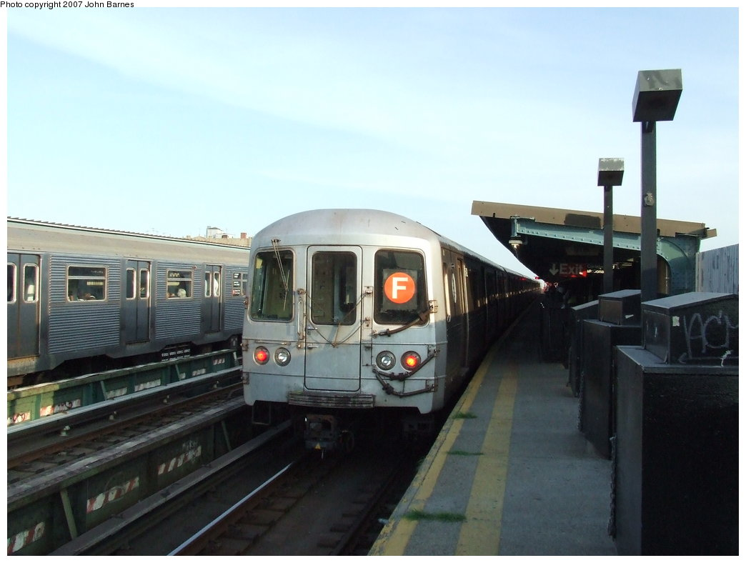 (129k, 1044x788)<br><b>Country:</b> United States<br><b>City:</b> New York<br><b>System:</b> New York City Transit<br><b>Line:</b> BMT Culver Line<br><b>Location:</b> Ditmas Avenue <br><b>Route:</b> F<br><b>Car:</b> R-46 (Pullman-Standard, 1974-75) 5492 <br><b>Photo by:</b> John Barnes<br><b>Date:</b> 6/24/2007<br><b>Viewed (this week/total):</b> 0 / 2110