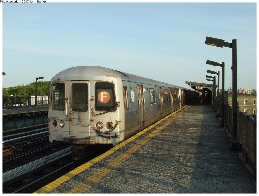 (159k, 1044x788)<br><b>Country:</b> United States<br><b>City:</b> New York<br><b>System:</b> New York City Transit<br><b>Line:</b> BMT Culver Line<br><b>Location:</b> Avenue P <br><b>Route:</b> F<br><b>Car:</b> R-46 (Pullman-Standard, 1974-75) 5484 <br><b>Photo by:</b> John Barnes<br><b>Date:</b> 6/24/2007<br><b>Viewed (this week/total):</b> 1 / 2415