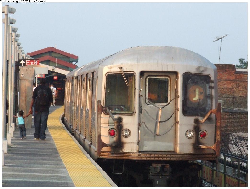 (148k, 1044x788)<br><b>Country:</b> United States<br><b>City:</b> New York<br><b>System:</b> New York City Transit<br><b>Line:</b> BMT Nassau Street/Jamaica Line<br><b>Location:</b> Norwood Avenue <br><b>Route:</b> J<br><b>Car:</b> R-42 (St. Louis, 1969-1970)  4624 <br><b>Photo by:</b> John Barnes<br><b>Date:</b> 6/26/2007<br><b>Viewed (this week/total):</b> 0 / 2038