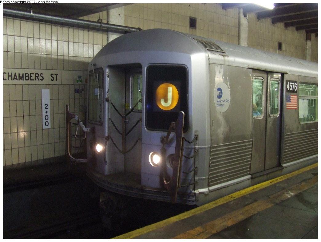 (144k, 1044x788)<br><b>Country:</b> United States<br><b>City:</b> New York<br><b>System:</b> New York City Transit<br><b>Line:</b> BMT Nassau Street/Jamaica Line<br><b>Location:</b> Chambers Street <br><b>Route:</b> J<br><b>Car:</b> R-42 (St. Louis, 1969-1970)  4576 <br><b>Photo by:</b> John Barnes<br><b>Date:</b> 6/26/2007<br><b>Viewed (this week/total):</b> 0 / 2758