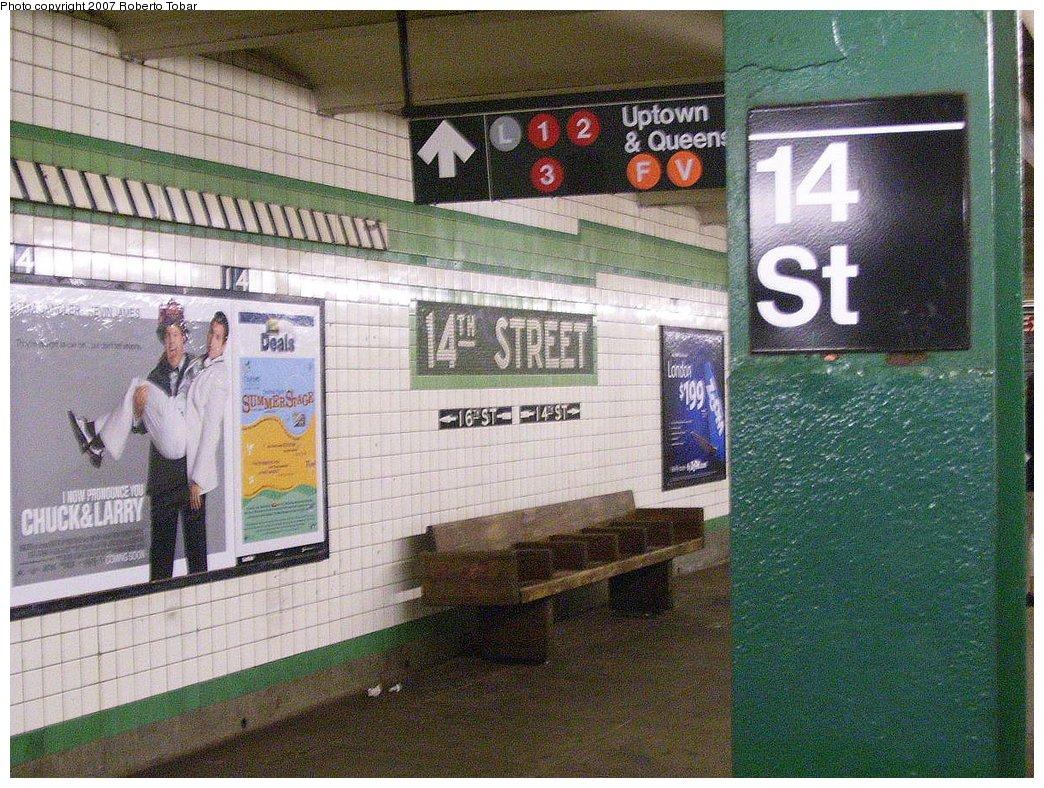 (256k, 1044x788)<br><b>Country:</b> United States<br><b>City:</b> New York<br><b>System:</b> New York City Transit<br><b>Line:</b> IND 6th Avenue Line<br><b>Location:</b> 14th Street <br><b>Photo by:</b> Roberto C. Tobar<br><b>Date:</b> 7/7/2007<br><b>Notes:</b> Platform view.<br><b>Viewed (this week/total):</b> 2 / 2510