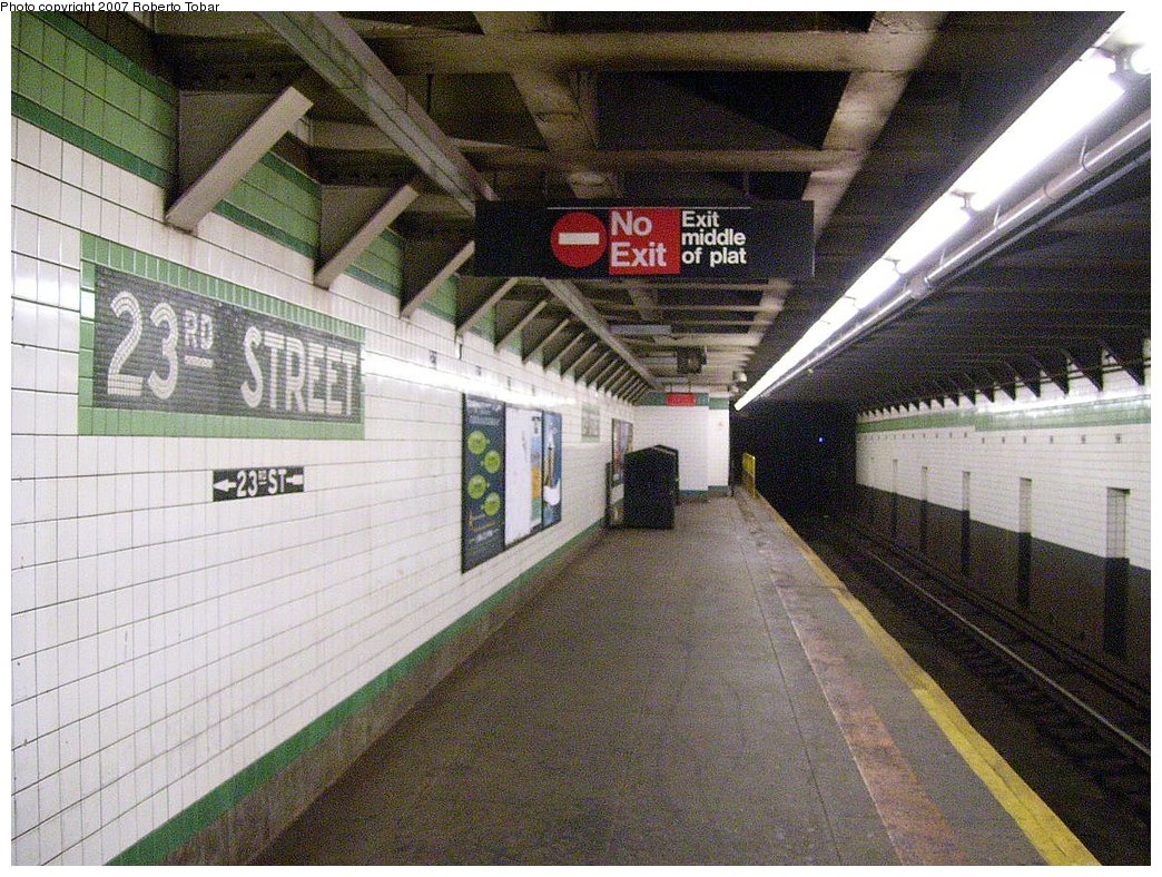 (244k, 1044x788)<br><b>Country:</b> United States<br><b>City:</b> New York<br><b>System:</b> New York City Transit<br><b>Line:</b> IND 6th Avenue Line<br><b>Location:</b> 23rd Street <br><b>Photo by:</b> Roberto C. Tobar<br><b>Date:</b> 7/7/2007<br><b>Notes:</b> Platform view.<br><b>Viewed (this week/total):</b> 1 / 1777